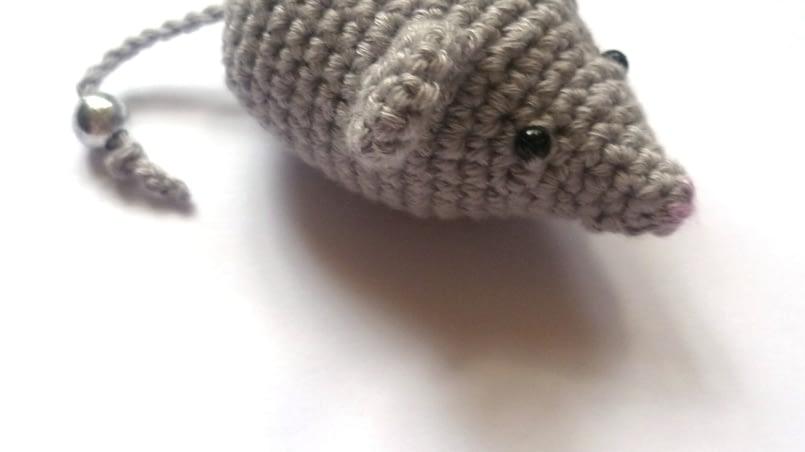 мышь амигуруми крючком