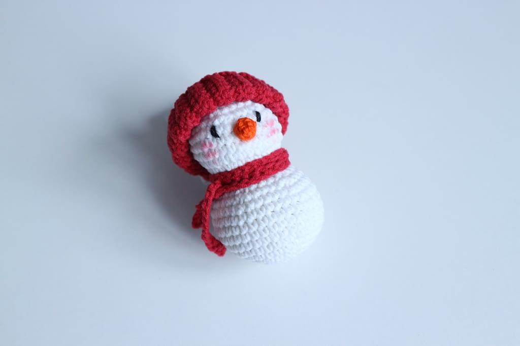 Simple crochet snowman free pattern