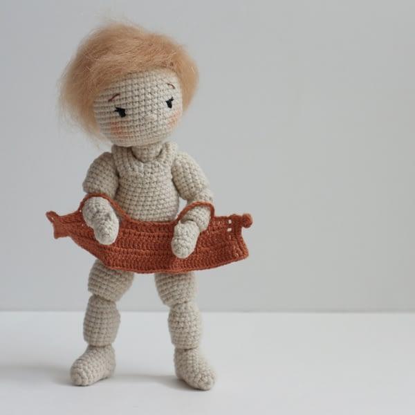 вязаная шарнирная кукла крючком